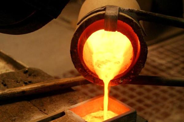 中频熔炼炉运行